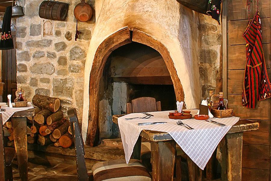 Ресторант Под липите