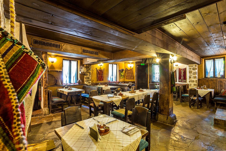 90 години традиции в ресторант ^ Подъ Липите